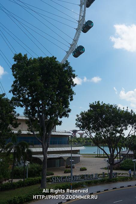 Singapore Flyer ferris wheel entrance