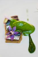 Europe/France/Bretagne/56/Morbihan/Vannes: Sardine marinée à l'Huile d'Aglandeau et vinaigre rosé,  recette d' Olivier Samson restaurant La Gourmandière  au lieu dit Poignant -