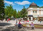 Deutschland, Bayern, Oberbayern, Berchtesgadener Land,  Bad Reichenhall: Fussgaengerzone in der Altstadt | Germany, Bavaria, Upper Bavaria, Berchtesgadener Land,  Bad Reichenhall: pedestrian area in old town