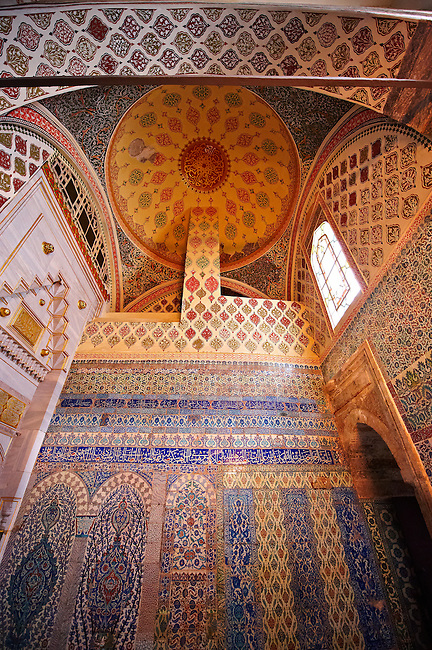 Ottoman Isnik tiles decorations in the Harem of the Topkapi Palace, Istanbul Turkey