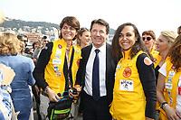Christian Estrosi et l'Èquipage 500 E-GAZELLE Nezha Larhrissi et Pilar Cabelos - 27Ëme Èdition du Rallye 'Aicha des Gazelles' au dÈpart de la ville de Nice, le samedi 18 mars 2017. # DEPART DU RALLYE 'AICHA DES GAZELLES' A NICE