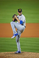 Salt River Rafters pitcher Justin Shafer (27) delivers a pitch during an Arizona Fall League game against the Glendale Desert Dogs on October 21, 2015 at Camelback Ranch in Glendale, Arizona.  Glendale defeated Salt River 1-0.  (Mike Janes/Four Seam Images)
