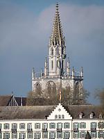 Blick auf Hotel Steigenberger und Münster, Uferpromenade von Konstanz, Baden-Württemberg, Deutschland, Europa<br /> Hotel Steigenberger and Münster church, seen from lakeside promenade, Constance, Baden-Württemberg, Germany, Europe