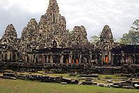 Monks at Bayon, Angkor Wat, Bayon: NY, Brach, Moa, Men,Chen, Phen