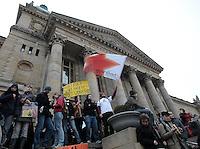Studentenproteste gegen Zustand und Form des Deutschen Bildungssystems an den Hochschulen und Universitäten. Foto: Norman Rembarz....Norman Rembarz , ( ASV-Autorennummer 41043728 ), Holbeinstr. 14, 04229 Leipzig, Tel.: 01794887569, Hypovereinsbank: BLZ: 86020086, KN: 357889472, St.Nr.: 231/261/06432 - Jegliche kommerzielle Nutzung ist honorar- und mehrwertsteuerpflichtig! Persönlichkeitsrechte sind zu wahren. Es wird keine Haftung übernommen bei Verletzung von Rechten Dritter. Autoren-Nennung gem. §13 UrhGes. wird verlangt. Weitergabe an Dritte nur nach  vorheriger Absprache...GPS:  Länge - E12°22.238' .            Breite - N51°19.990'