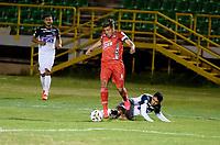 TUNJA - COLOMBIA, 27-02-2021: Santiago Orozco de Patriotas Boyaca F. C. y Fabian Sambueza de Atletico Junior disputan el balon, durante partido de la fecha 10 entre Patriotas Boyaca F. C. y Atletico Junior por la Liga BetPlay DIMAYOR I 2021, jugado en el estadio La Independencia de la ciudad de Tunja. / Santiago Orozco of Patriotas Boyaca F. C. and Fabian Sambueza of Atletico Junior fight for the ball, during a match of the 10th date between Patriotas Boyaca F. C. and Atletico Junior for the BetPlay DIMAYOR I 2021 League played at the La Independencia stadium in Tunja city. / Photo: VizzorImage / Macgiver Baron / Cont.