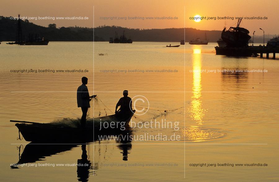 INDIA, Andaman, Port Blair, coast fisherman / INDIEN, Andamanen, Kuestenfischer
