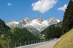 Switzerland, Canton Uri, Sustenpass Road: Fuenffingerstock mountains with peaks Sustenhochspitz, Wendenhorn und Wasenhorn (f.l.t.r.)