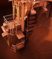 Inaugurada em 1995, a Alunorte assume  posição de maior produtora de alumina do mundo. <br /> Barcarena Pará Brasil.<br /> Paulo Santos<br /> 2006.
