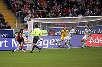 Albert Streit (FSV Mainz 05) zieht ab
