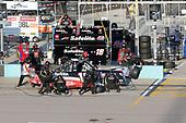 #18: Christian Eckes, Kyle Busch Motorsports, Safelite AutoGlass Toyota Tundra