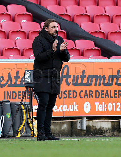 31st October 2020; Ashton Gate Stadium, Bristol, England; English Football League Championship Football, Bristol City versus Norwich; Daniel Farke Manager of Norwich City applauds his players performance with a 3-1 win