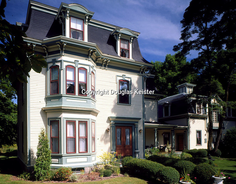 The Carriage House Inn.120 East Main St, Route 1.Searsport, ME