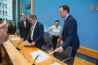 """Bundesgesundheitsminister Jens Spahn (CDU) stellte am Montag den 1. April 2019 mit den Bundestagsabgeordneten Georg Nuesslein (CDU/CSU), Prof. Karl Lauterbach (SPD) und Petra Sitte (Linkspartei) in Berlin den Gesetzentwurf """"Organspende - doppelte Widerspruchsloesung"""" vor.<br /> Im Bild vlnr.: Karl Lauterbach, Georg Nuesslein, Petra Sitte, Jens Spahn.<br /> 1.4.2019, Berlin<br /> Copyright: Christian-Ditsch.de<br /> [Inhaltsveraendernde Manipulation des Fotos nur nach ausdruecklicher Genehmigung des Fotografen. Vereinbarungen ueber Abtretung von Persoenlichkeitsrechten/Model Release der abgebildeten Person/Personen liegen nicht vor. NO MODEL RELEASE! Nur fuer Redaktionelle Zwecke. Don't publish without copyright Christian-Ditsch.de, Veroeffentlichung nur mit Fotografennennung, sowie gegen Honorar, MwSt. und Beleg. Konto: I N G - D i B a, IBAN DE58500105175400192269, BIC INGDDEFFXXX, Kontakt: post@christian-ditsch.de<br /> Bei der Bearbeitung der Dateiinformationen darf die Urheberkennzeichnung in den EXIF- und  IPTC-Daten nicht entfernt werden, diese sind in digitalen Medien nach §95c UrhG rechtlich geschuetzt. Der Urhebervermerk wird gemaess §13 UrhG verlangt.]"""