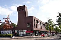 Nederland  Amsterdam-  2020.   Amsterdam Noord. Mosveld nieuwbouw. Woon-winkelcentrum.   Foto : ANP/ HH / Berlinda van Dam