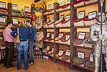 Spanien, Andalusien, Granada: Gewuerze, Kraeuter   Spain, Andalusia, Granada: spices, herbes