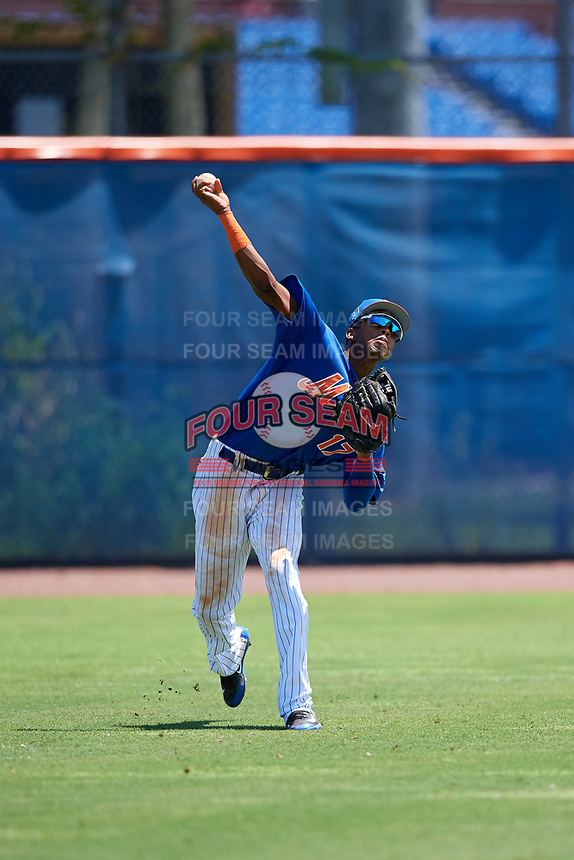 GCL Mets left fielder Wilmer Reyes (17) throws from the outfield during a game against the GCL Marlins on August 3, 2018 at St. Lucie Sports Complex in Port St. Lucie, Florida.  GCL Mets defeated GCL Marlins 3-2.  (Mike Janes/Four Seam Images)