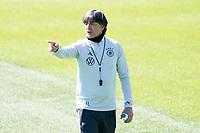 Bundestrainer Joachim Loew (Deutschland Germany) gibt Anweisungen - Seefeld 31.05.2021: Trainingslager der Deutschen Nationalmannschaft zur EM-Vorbereitung