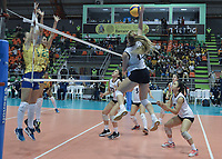 BARRANCABERMEJA - COLOMBIA, 17-09-2021: Brasil (BRA) y Chile (CHI) en partido como parte del XXXIV Campeonato Sudamericano de Voleibol Femenino 2021 en el coliseo Luis F Castellanos de Barrancabermeja, Colombia. / Brazil (BRA) and Chile (CHI) in a match as part of XXXIV South American Women's Volleyball Championship 2021 at the Luis F Castellanos Coliseum in Barrancabermeja, Colombia .  Photo: VizzorImage / Jose David Martinez M / Cont