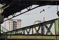 - cantieri di edilizia residenziale alla periferia sud della città....- residence buildings  yards at south periphery of the city......