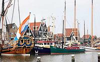 Nederland - Volendam - 2018.  De haven van Volendam.  Links statenjacht De Utrecht.   Foto Berlinda van Dam / Hollandse Hoogte