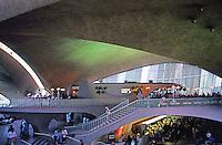 Eero Saarinen: TWA Terminal, interior.