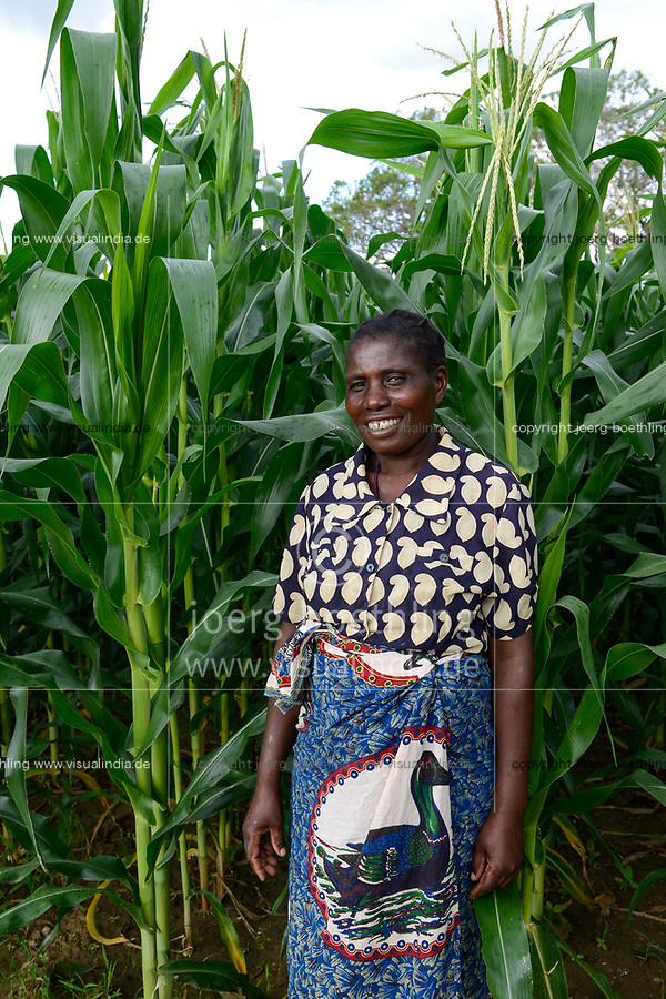 ZAMBIA, Mazabuka, Chikankata area, farmer practise conservation farming, farm of Christian Choomba and wife Mercy Malambo