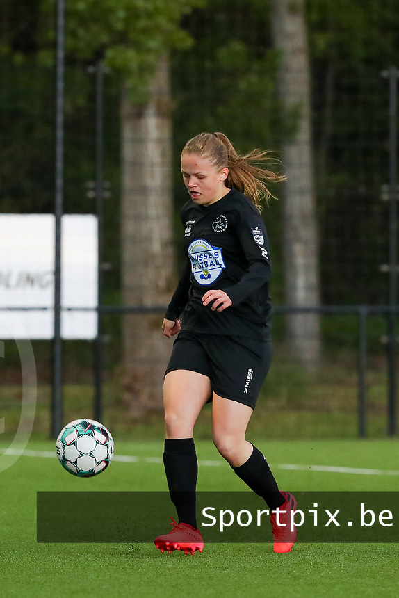Martyna Rakowicz (38) of Woluwe with the ball during a female soccer game between Sporting Charleroi and White Star Woluwe on the 7 th matchday in play off 2 of the 2020 - 2021 season of Belgian Scooore Womens Super League , friday 14 th of May 2021  in Marcinelle , Belgium . PHOTO SPORTPIX.BE   SPP   Sevil Oktem