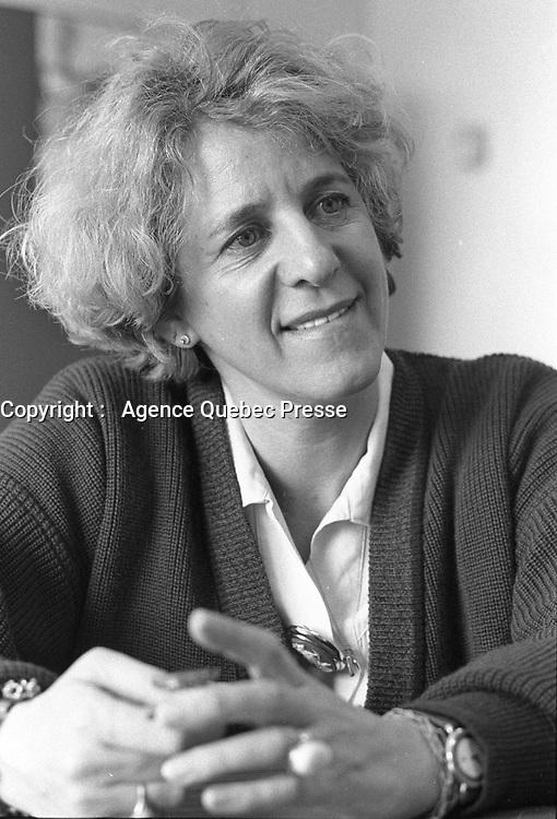 Montreal (Qc) CANADA - February 23, 1989 File Photo -<br /> Denise Bombardier, journaliste en entrevue<br /> photo (c) Pierre Roussel- Images Distribution