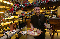 Italie, Val d'Aoste, Courmayeur:   Bar Vineria Walser,  // Italy, Aosta Valley,  Courmayeur: Bar Vineria Walser,