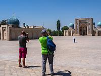 Bibliothek und Barak Khan Medrese am Hast Imam-Platz, Taschkent, Usbekistan, Asien<br /> Library and Barak Khan Madrasa at Hast Imam-Square, Tashkent, Uzbekistan, Asia