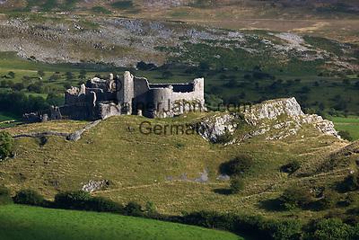 United Kingdom, Wales, Carmarthenshire, near Llandeilo: Carreg Cennen Castle in Brecon Beacons National Park | Grossbritannien, Wales, Carmarthenshire, bei Llandeilo: Carreg Cennen Castle im Brecon Beacons National Park