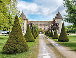 A view of the Château de Savigny-lès-Beaune from the avenue leading to the front entrance