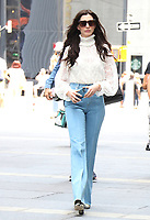 NEW YORK, NY- June 7: Anne Hathaway heading to set of Caviar in New York City on June 07, 2021 <br /> CAP/MPI/RW<br /> ©RW/MPI/Capital Pictures