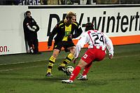 Florian Kringe (Borussia Dortmund) im Zweikampf mit Benjamin Weigelt (FSV Mainz 05)