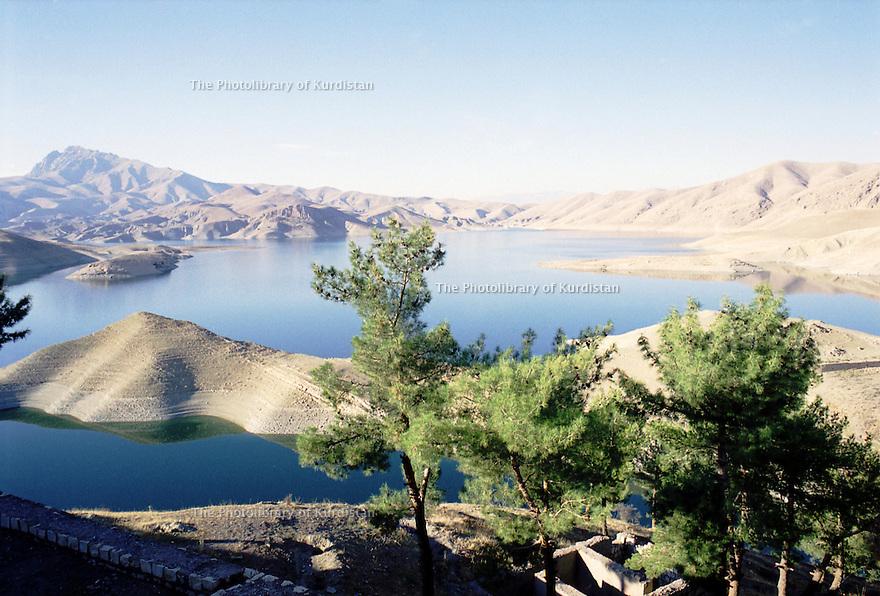 Irak 2000  Le lac de Dokan<br /> Iraq 2000  The lake of Dokan