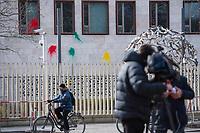 Farbbeutel-Attacke auf tuerkische Botschaft in Berlin.<br /> Unbekannte warfen in der Nacht zu Dienstag den 27. Februar 2018 aus Protest gegen den militaerischen Einmarsch der Tuerkei in die syrisch-kurdische Region Afrin mehrere Farbbeutel an die Fassade der tuerkischen Botschaft in Berlin. Die tuerkische Regierung behauptet mit dem Einmarsch angebliche Terroristen zu bekaempfen.<br /> Im Bild: TV-Journalisten des tuerkischen Fernsehsender TRT berichten von vor Ort.<br /> 19.1.2018, Berlin<br /> Copyright: Christian-Ditsch.de<br /> [Inhaltsveraendernde Manipulation des Fotos nur nach ausdruecklicher Genehmigung des Fotografen. Vereinbarungen ueber Abtretung von Persoenlichkeitsrechten/Model Release der abgebildeten Person/Personen liegen nicht vor. NO MODEL RELEASE! Nur fuer Redaktionelle Zwecke. Don't publish without copyright Christian-Ditsch.de, Veroeffentlichung nur mit Fotografennennung, sowie gegen Honorar, MwSt. und Beleg. Konto: I N G - D i B a, IBAN DE58500105175400192269, BIC INGDDEFFXXX, Kontakt: post@christian-ditsch.de<br /> Bei der Bearbeitung der Dateiinformationen darf die Urheberkennzeichnung in den EXIF- und  IPTC-Daten nicht entfernt werden, diese sind in digitalen Medien nach §95c UrhG rechtlich geschuetzt. Der Urhebervermerk wird gemaess §13 UrhG verlangt.]