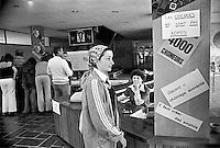 - la fabbrica di orologi LIP occupata e autogestita dai lavoratori, ufficio di vendita al pubblico (Besançon, luglio 1977)<br /> <br /> - the LIP clocks factory  self-managed by workers, retail office (Besançon, July 1977)