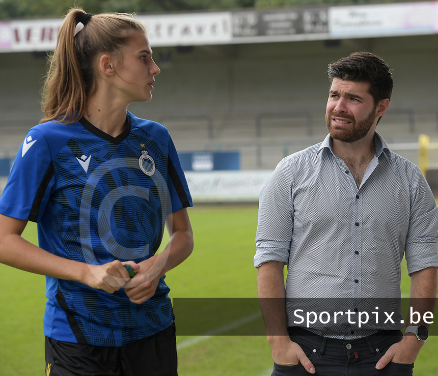 Marie Minnaert (13) of Club Brugge and Head coach Dennis Moerman of Club Brugge pictured before during a female soccer game between SV Zulte - Waregem and Club Brugge YLA on the fourth matchday of the 2021 - 2022 season of the Belgian Scooore Womens Super League , saturday 11 of September 2021  in Harelbeke , Belgium . PHOTO SPORTPIX   DIRK VUYLSTEKE