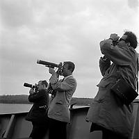 Photographes immortalisant Le Shah d'Iran Mohammad Reza Chah Pahlavi et sa femme en visite dans la ville de Quebec, le 23 mai 1965.<br /> <br /> PHOTO : Agence Quebec Presse - Photo Moderne