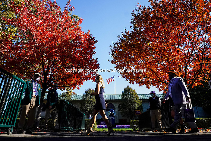 November 7, 2020 : Attendees walk through the paddock on Breeders' Cup Championship Saturday at Keeneland Race Course in Lexington, Kentucky on November 7, 2020. Scott Serio/Eclipse Sportswire/Breeders' Cup/CSM
