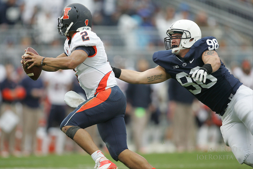 State College, PA - 11/02/2013:  PSU DE Anthony Zettel reaches out to sack Illinois QB Nathan Scheelhaase.  Penn State defeated Illinois by a score of 24-17 in overtime on Saturday, November 2, 2013, at Beaver Stadium.<br /> <br /> Photos by Joe Rokita / JoeRokita.com