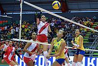 BARRANCABERMEJA - COLOMBIA, 15-09-2021: Brasil (BRA) y Perú (PER) en partido como parte del XXXIV Campeonato Sudamericano de Voleibol Femenino 2021 en el coliseo Luis F Castellanos de Barrancabermeja, Colombia. / Brazil (BRA) and Peru (PER) in a match as part of XXXIV South American Women's Volleyball Championship 2021 at the Luis F Castellanos Coliseum in Barrancabermeja, Colombia . Photo: VizzorImage / Jose David Martinez Mulford / Cont