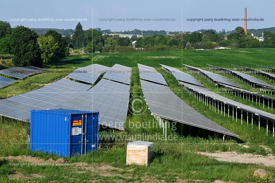GERMANY, Luebz, solar farm / DEUTSCHLAND, Lübz, Solarfeld