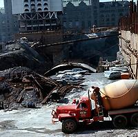 Construction du Metro<br /> a Montreal en 1965