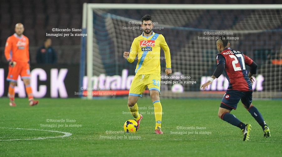 - NAPOLI 24 FEB  -  Stadio San Paolo    Napoli - Genoa<br /> NELLA FOTO: albiol e matuzalem