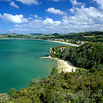 New Zealand, North Island, Coromandel Peninsula: Lonely Bay and Cook's Beach Beyond | Neuseeland, Nordinsel, Coromandel Halbinsel: Lonely Bay und Cook's Beach