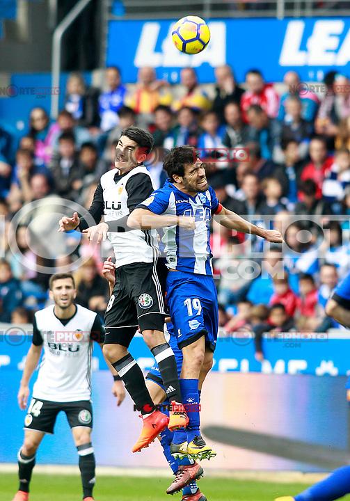 Deportivo Alaves' Manu Garcia (r) and Valencia CF's Carlos Soler during La Liga match. October 28,2017. (ALTERPHOTOS/Acero) /NortePhoto.com