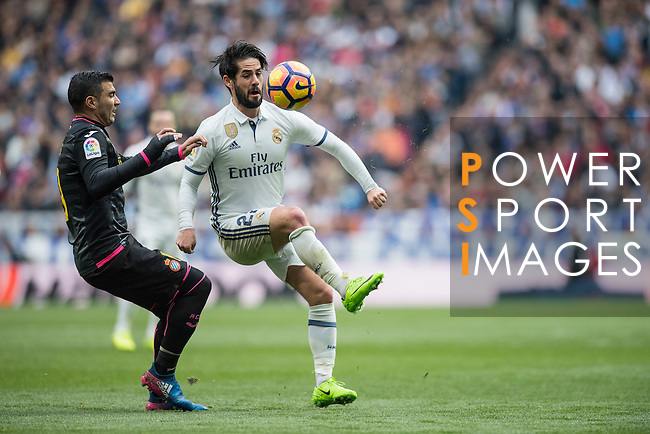 Isco Alarcon of Real Madrid fights for the ball during the match Real Madrid vs RCD Espanyol, a La Liga match at the Santiago Bernabeu Stadium on 18 February 2017 in Madrid, Spain. Photo by Diego Gonzalez Souto / Power Sport Images