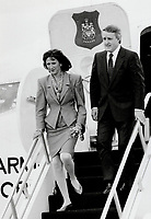 Prime Minister Brian Mulroney and his wife Mila arrive Wednesday at Andrews Air Force Base for their three-day visit.<br /> <br /> Photo : Boris Spremo - Toronto Star archives - AQP
